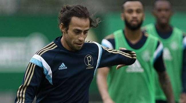 Palmeiras: Gareca confirma Valdivia titular e Cristaldo no banco