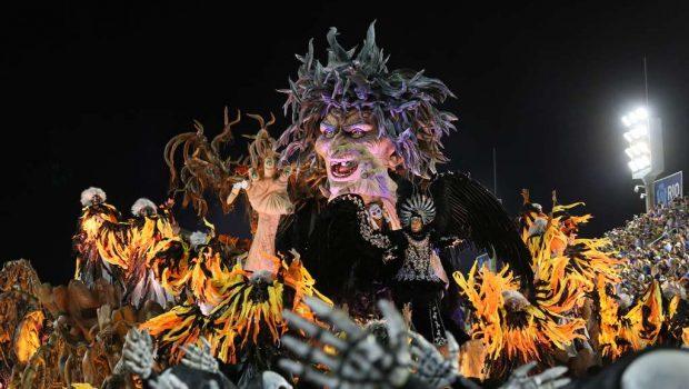 Talento de Rosa ajuda a São Clemente a fazer o melhor desfile de sua história