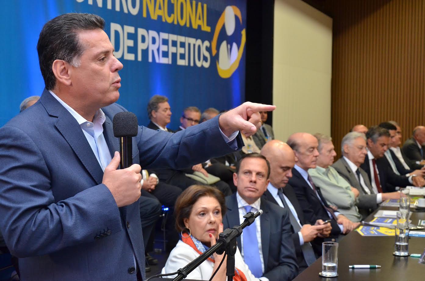 Marconi aconselha novos prefeitos em encontro nacional do PSDB