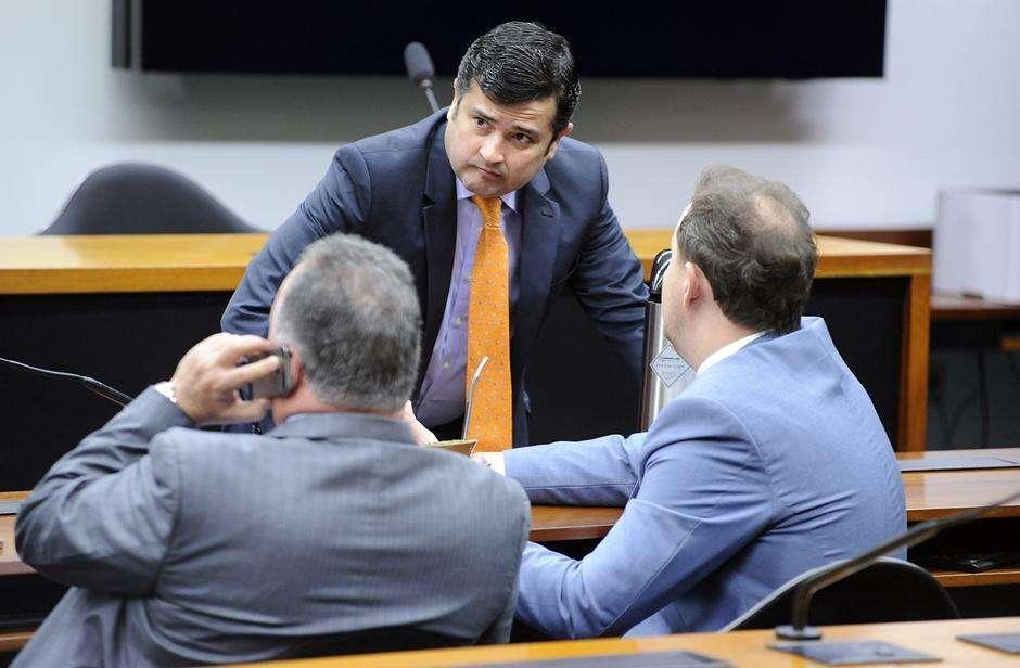 Procuradoria denuncia Eduardo da Fonte por corrupção passiva