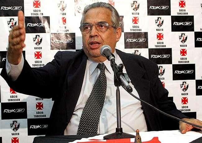 Eurico Miranda vence eleição e voltará a presidir Vasco