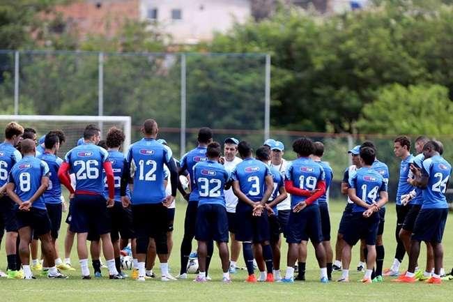 Sem ataque titular, Bahia joga em casa querendo vencer