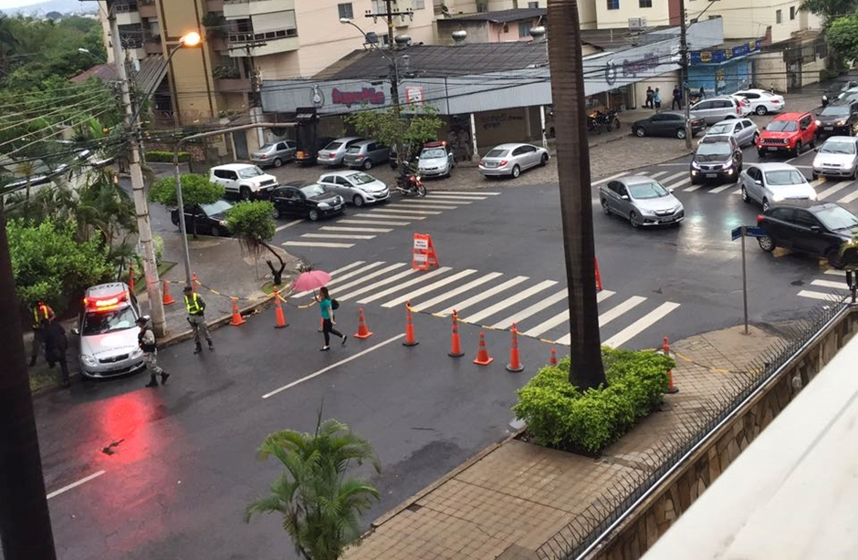 PM bloqueia Rua 9, no Setor Oeste