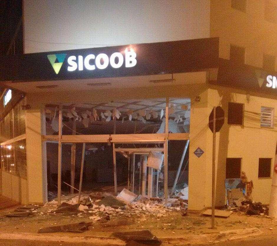 Agência do Sicoob em Luziânia é alvo de bandidos