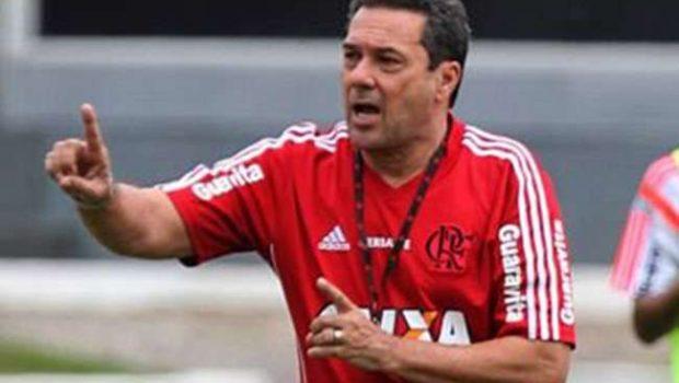 Após defender Paraguai, Cáceres é poupado no Fla