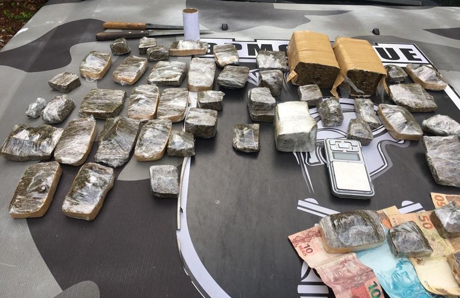 Homem é preso suspeito de traficar drogas no Jardim Novo Mundo