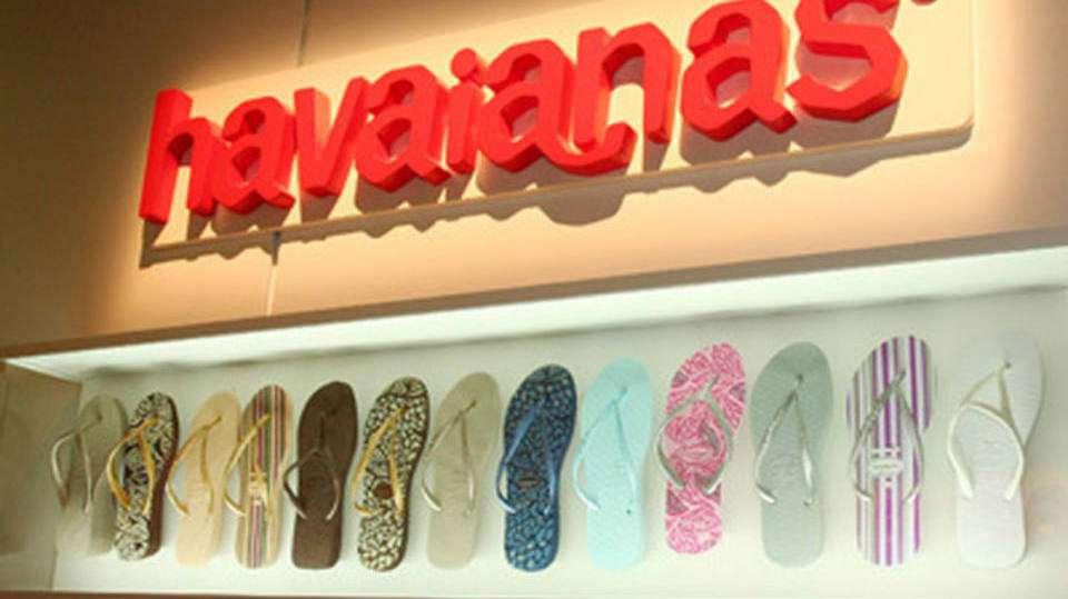 Dona da JBS fecha compra da fabricante das Havaianas por R$ 2,6 b