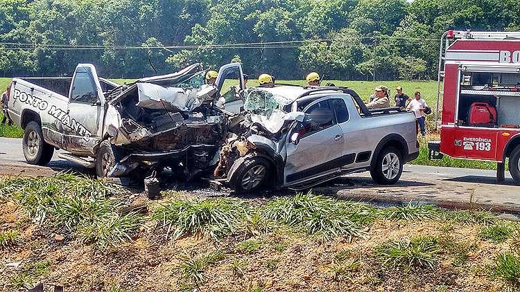 Acidente deixa três pessoas mortas na GO-070, próximo a Itaberaí
