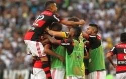 Com gol polêmico, Flamengo derrota Corinthians