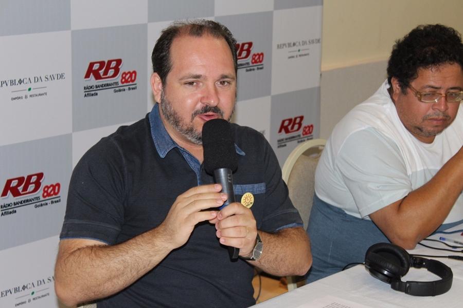 """""""Eu não sou 'Fora, Temer' nem 'Fora, Marconi' para ganhar voto"""", diz candidato do PSOL"""