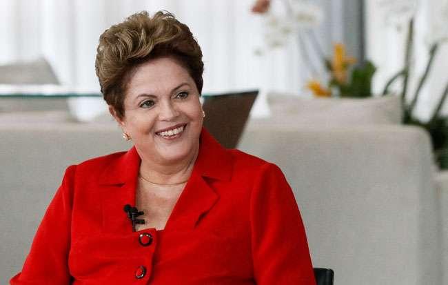 TSE defere registro de candidatura de Dilma e Temer