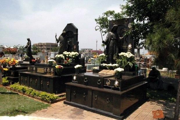 Prefeitura estima fluxo de 400 mil visitantes nos cemitérios de Goiânia