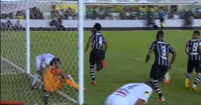 Robinho reestreia bem, mas perde 1ª para o Corinthians