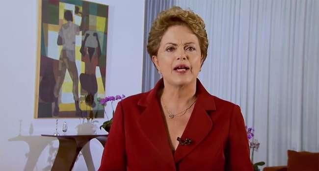 """""""Temos que nos acostumar às vozes das ruas"""", afirma Dilma em vídeo"""