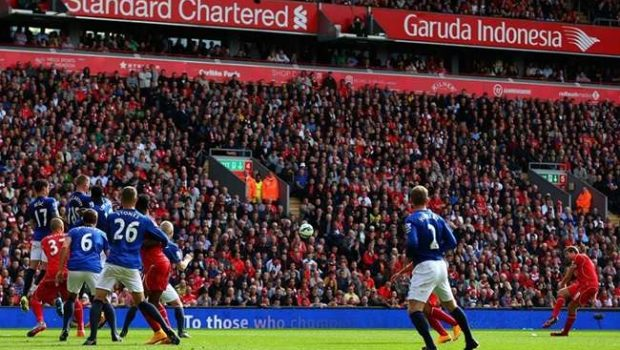 Liverpool vacila em clássico e cede empate no fim