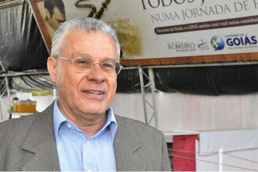 """""""Vou ajudar nos bastidores"""", diz Afrêni Gonçalves sobre eleições"""