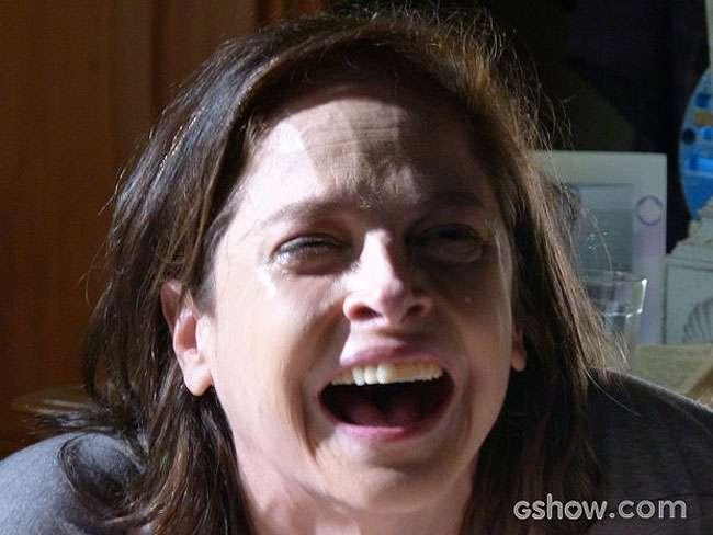 Drica Moraes revela surpresa com cena em que Cora gargalha ao ver irmã morta