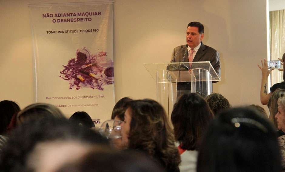 Governador lança campanha que incentiva denunciar violência contra a mulher