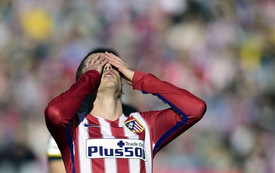 Em jogo quente, Atlético empata com o Sevilla e Barcelona assume a ponta