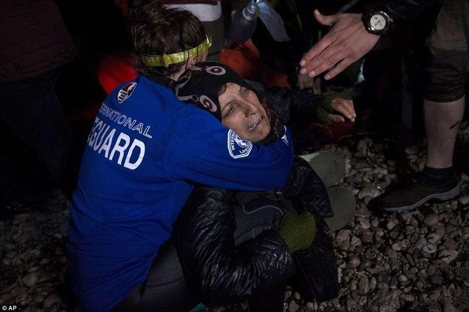 Duas meninas migrantes morrem afogadas perto de ilha grega