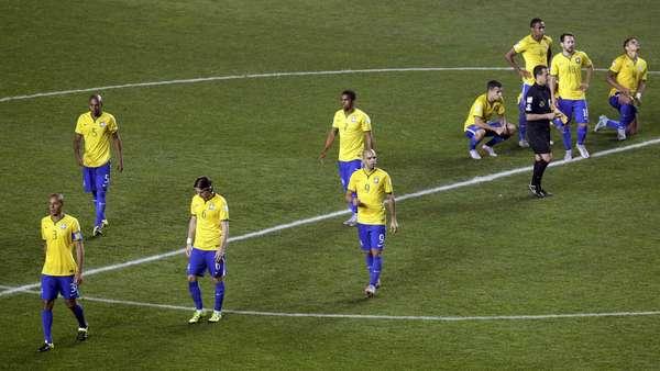 Paraguai vai à semi após vencer Brasil nos pênaltis