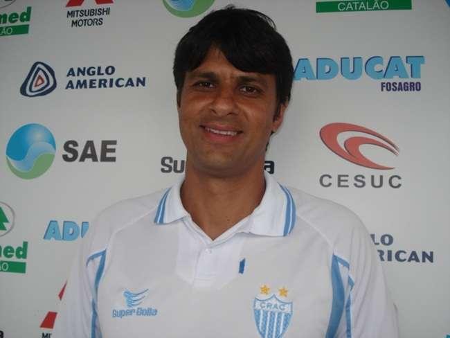 Após goleada humilhante, Vila age e contrata novo técnico