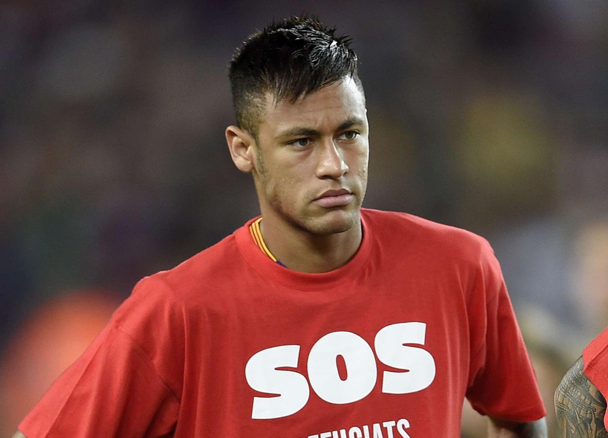 Justiça Federal bloqueia R$ 188,8 mi de Neymar por sonegação; atacante nega acusação