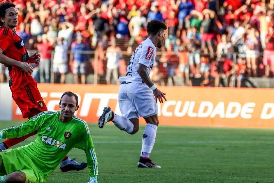 Atlético-MG e Sport empatam em jogo de 8 gols na Ilha do Retiro