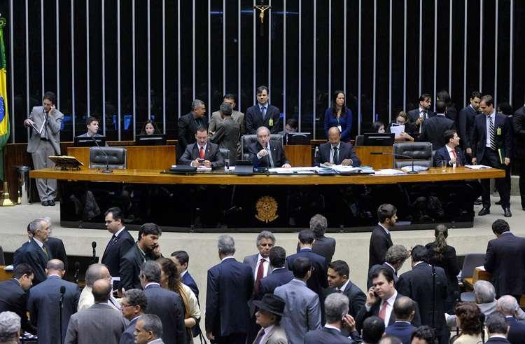 Câmara aprova limite a gasto de campanha e outras alterações em regras eleitorais