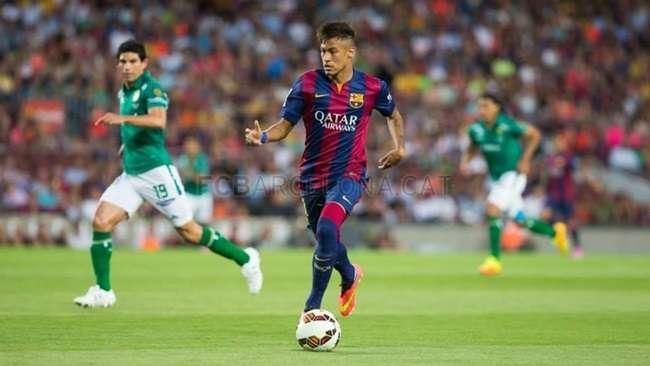 Neymar marca 2 em volta, Suárez estreia e Barça goleia