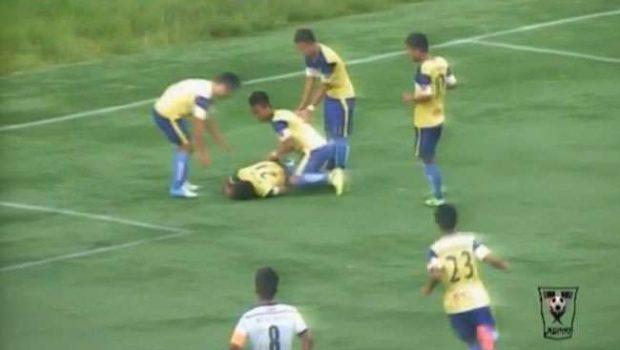 Jogador morre na Índia após comemorar gol com pirueta