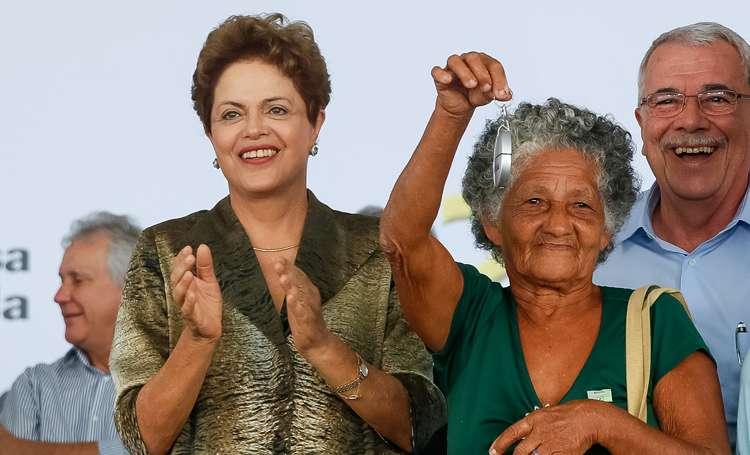 """Dilma diz que a Petrobras """"já limpou o que tinha que limpar"""""""