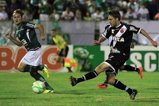 Vasco toma gol no fim e perde chance de liderar Série B