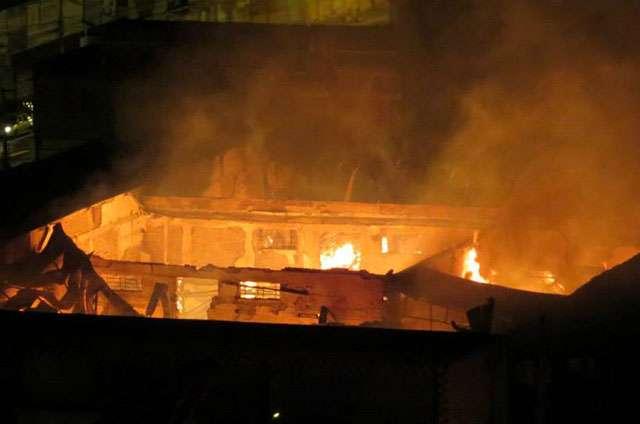 Bombeiros controlam incêndio em Campinas