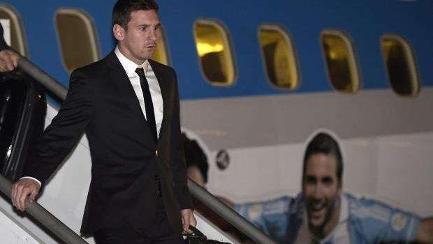 Seleção argentina desembarca em Belo Horizonte e vai ao CT do Galo
