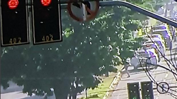 Sem sincronia entre semáforos, trânsito de Goiânia trava