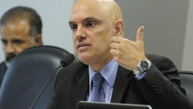 Moraes nega plágio em artigo acadêmico e ter sido advogado do PCC