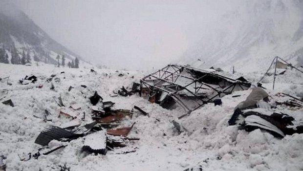 Paquistão: pelo menos 13 pessoas morrem em avalanche
