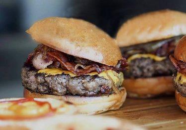 Eat Me Now! Burger Fest tem comida à vontade por R$35