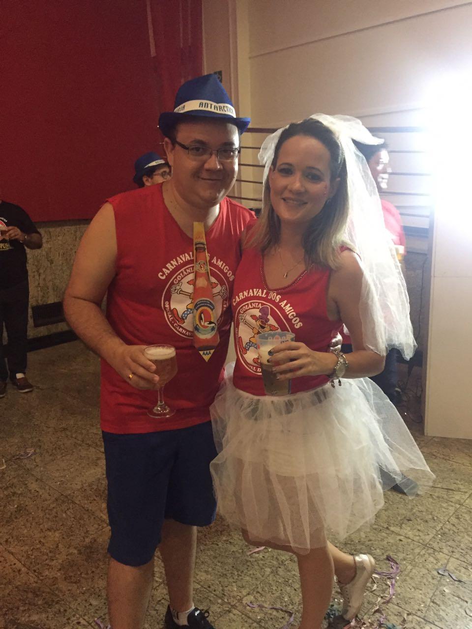 O casal Luis e Fernanda provou que amor de Carnaval vai para frente. (Foto: Mais Goiás)