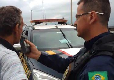PRF autua 15 motoristas embriagados no primeiro dia de Operação Carnaval