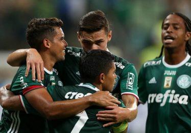 Palmeiras toma liderança do Corinthians em número de sócios-torcedores