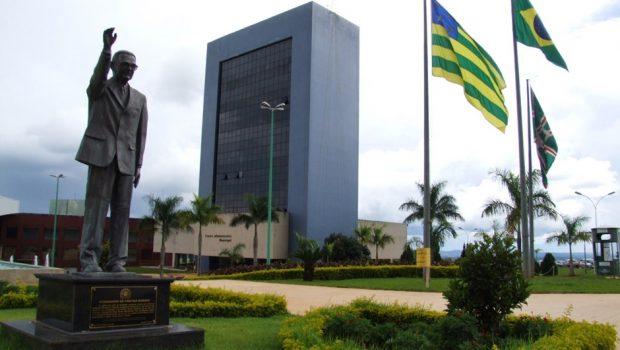 Servidores da Prefeitura de Goiânia devem receber salários até amanhã