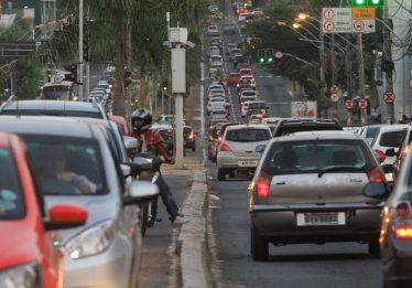 Medidas de trânsito para combater indústria da multa são alvo de críticas