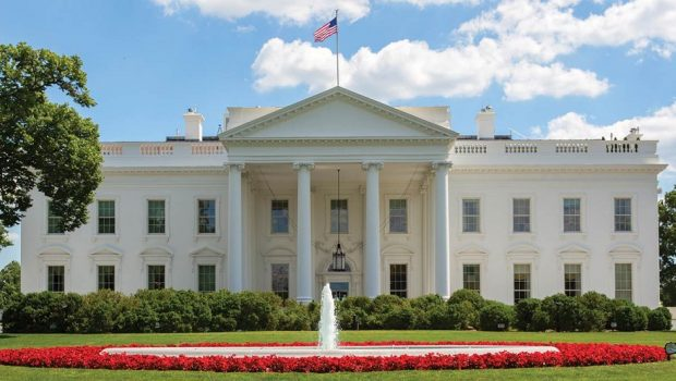 CNN, NYT e outros meios são barrados em briefing com porta-voz da Casa Branca