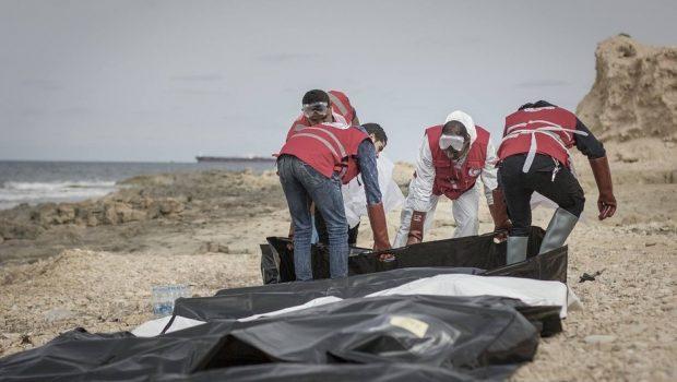 Ao menos 74 imigrantes são encontrados mortos no Mediterrâneo próximo à Líbia