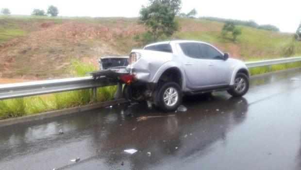 Duas pessoas ficam feridas em acidente na GO 070