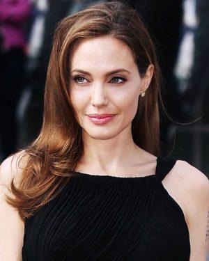 Angelina Jolie estaria envolvida com Malévola 2 e outros dois projetos