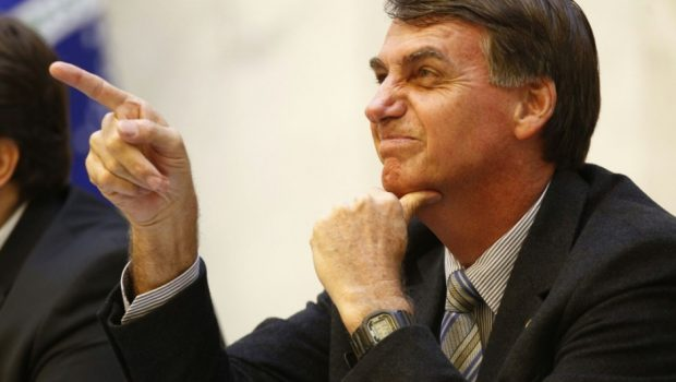 Bolsonaro diz ser contra tributação maior para grandes fortunas e classe alta