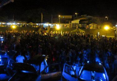 Na cidade de Goiás, foliões enchem a Praça de Eventos para dar as boas vindas ao Carnaval